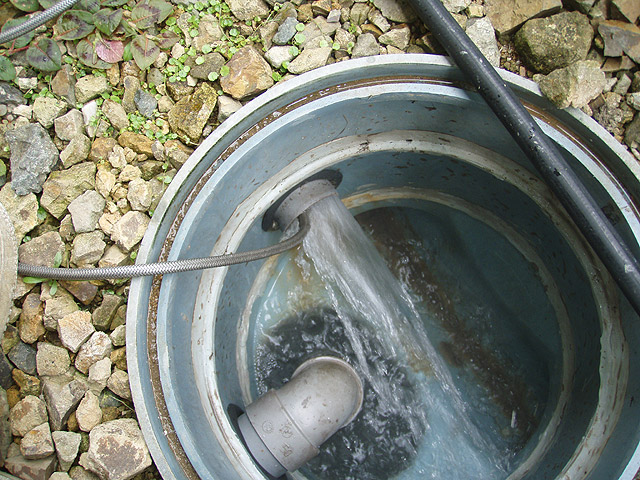 屋外排水管高圧洗浄
