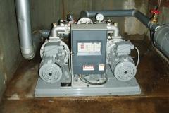 給水加圧ポンプ取替